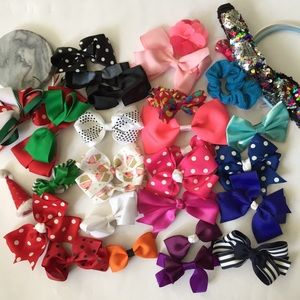 Other - Girls Hair Bows Bundle of 30 Accessories